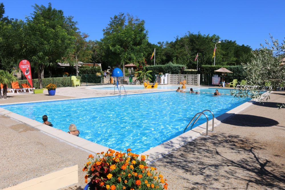 Pool camping beau rivage for Camping sites with swimming pools